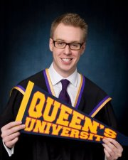 queen's grad photos